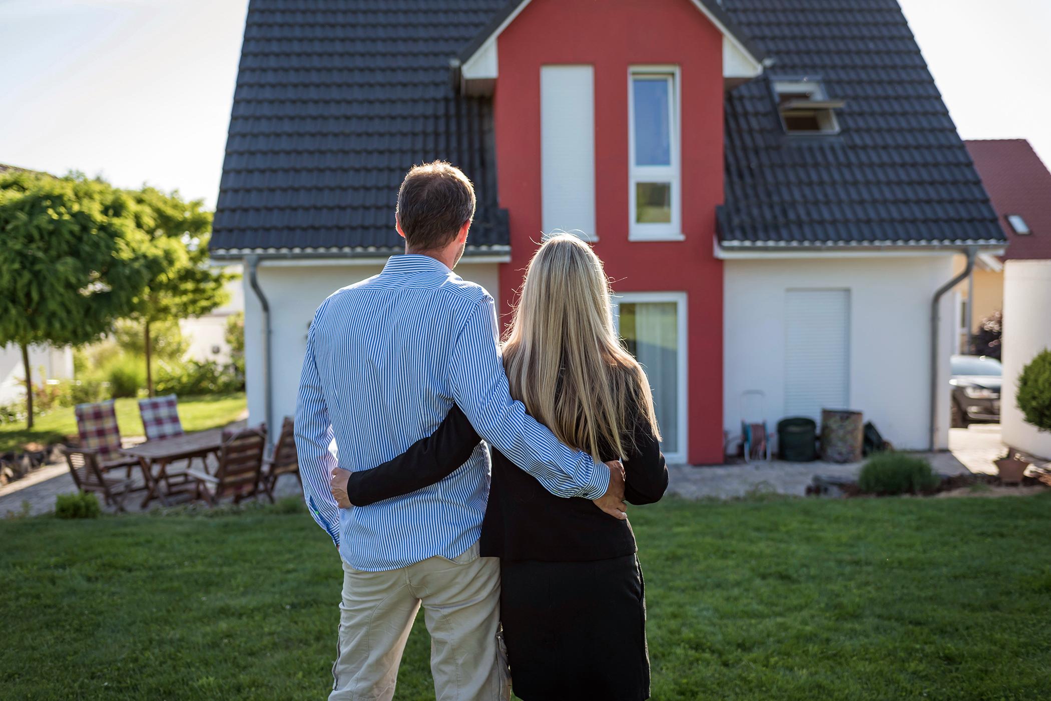 5 Benefits of Choosing Real Estate Property Online